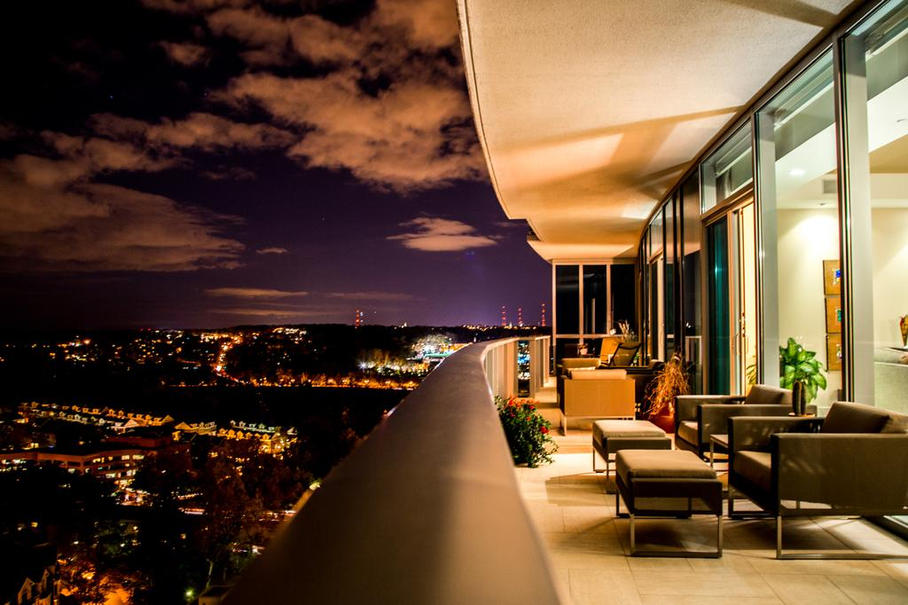 Turnberry Tower Luxury Condos For Sale Overlooking ...